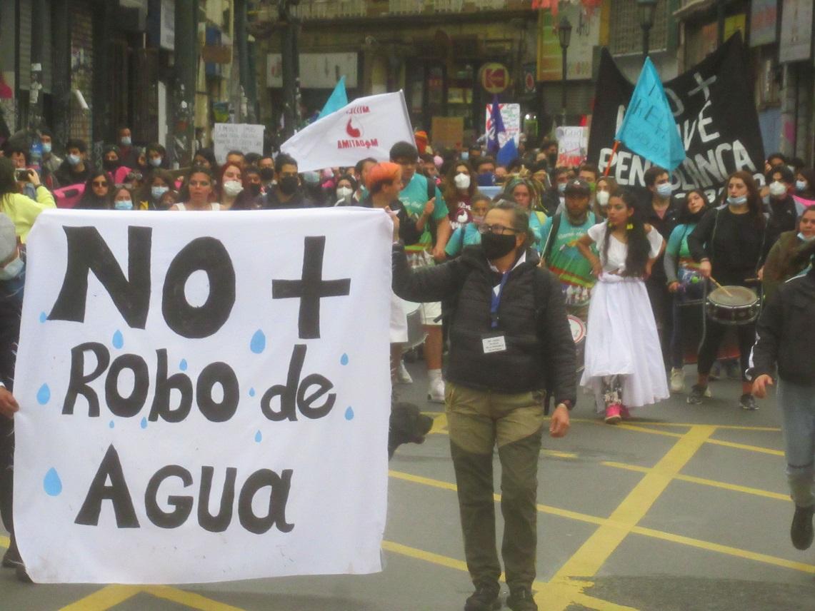 Organizaciones y comunidades de Valparaíso se manifestaron en defensa del medioambiente, los territorios y la vida digna
