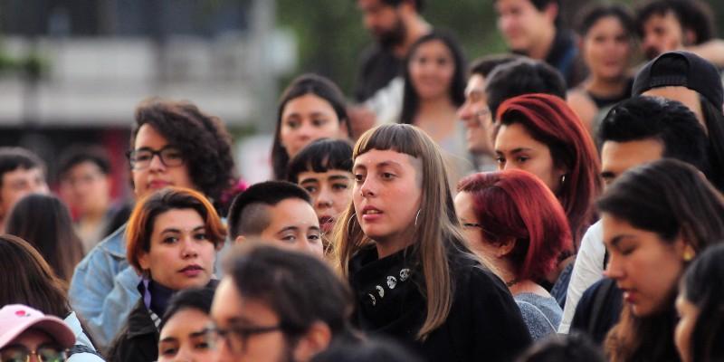 Estudio revela que el sentimiento de esperanza predomina en las mujeres respecto a la Convención Constitucional