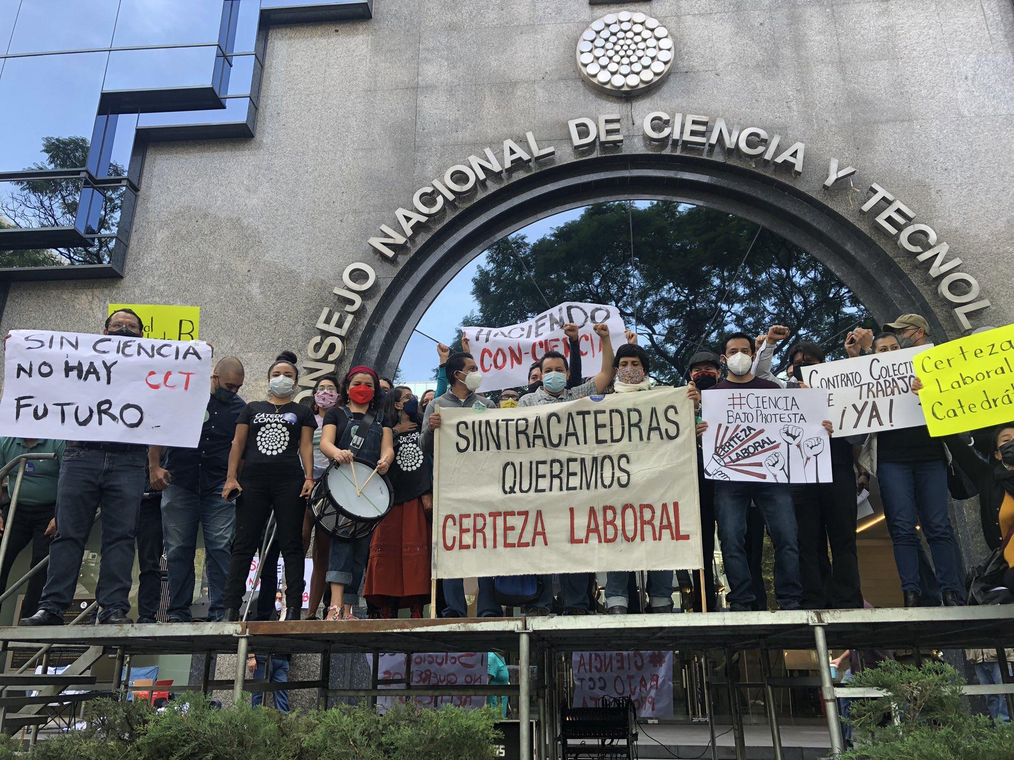 Investigadores de Conacyt exigen garantías laborales y derecho a huelga