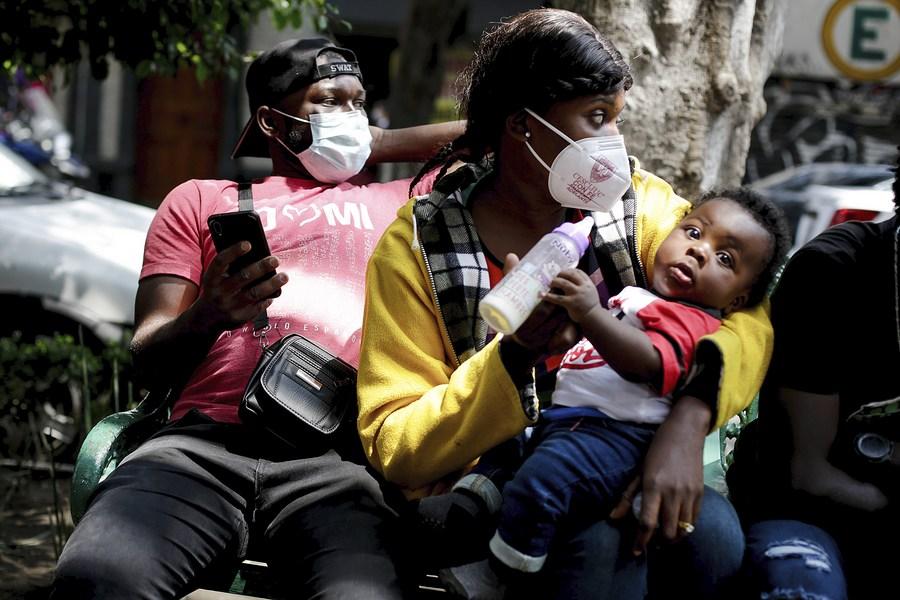 Autoridades migratorias de México deportan a 129 haitianos