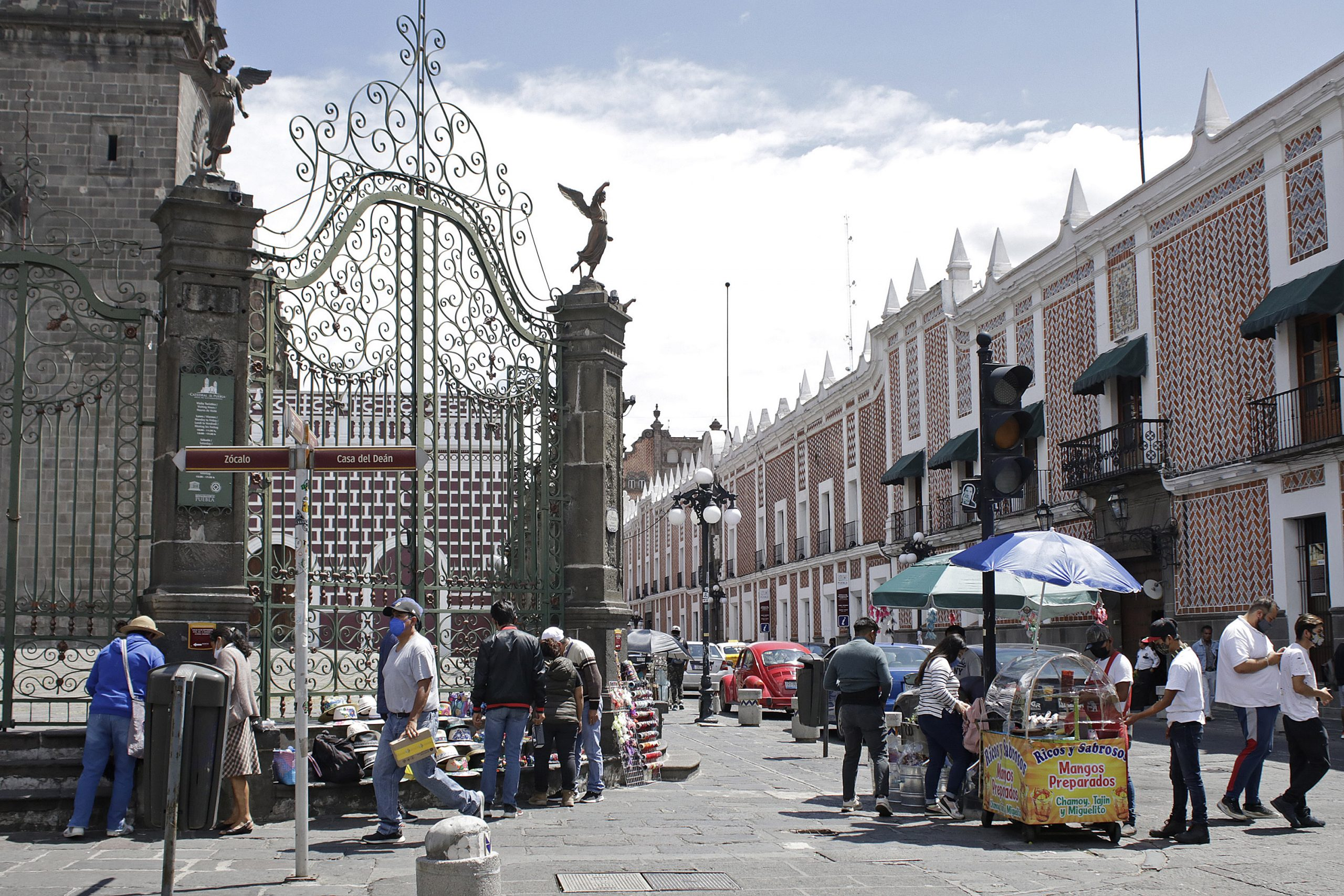 Más de 24 mil pesos mensuales para una vida digna en Puebla: CEEY