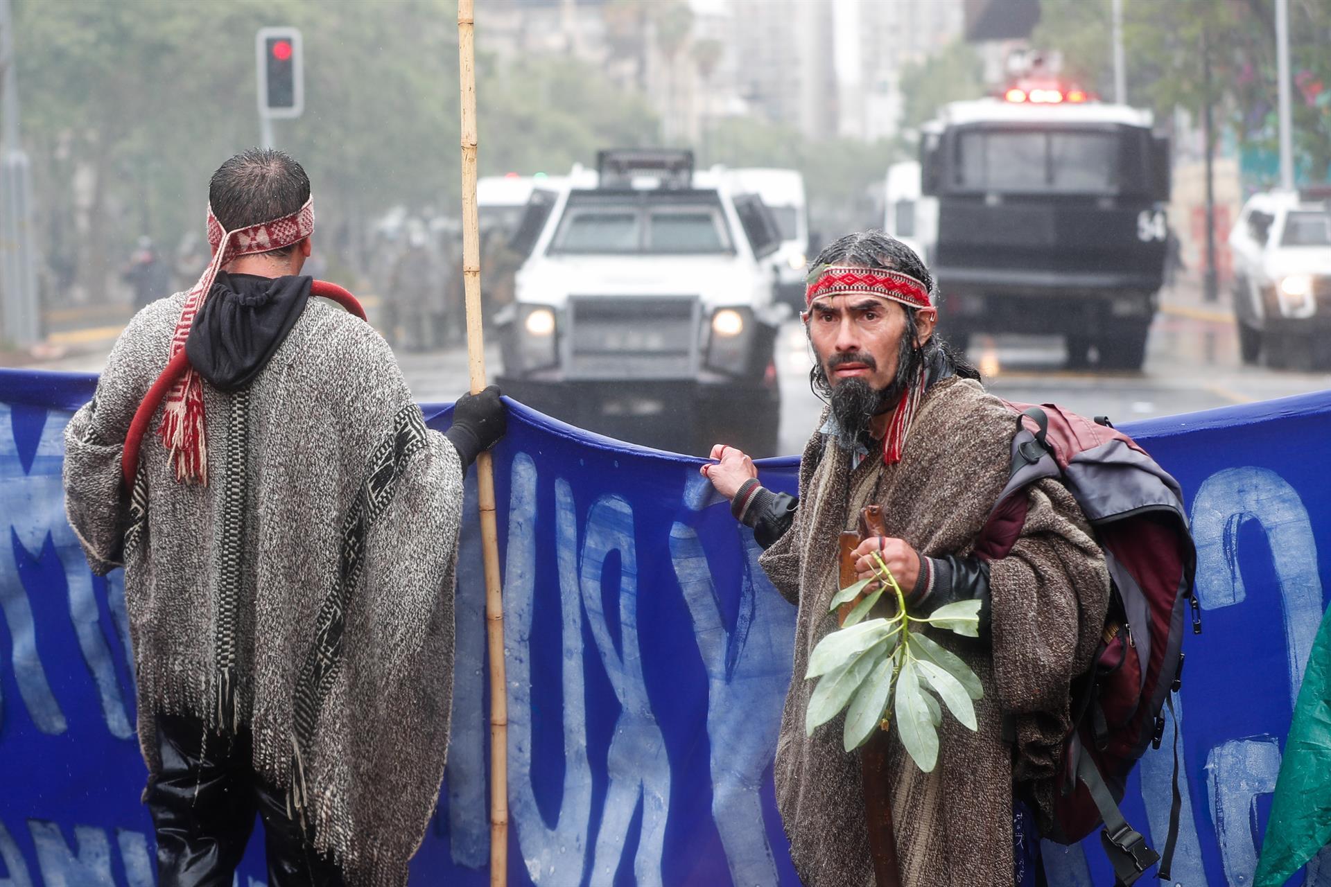 Presidente de Chile militariza zona indígena en conflicto