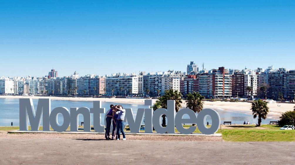 """Uruguay fomentará la llegada de «turistas de vacunas"""""""