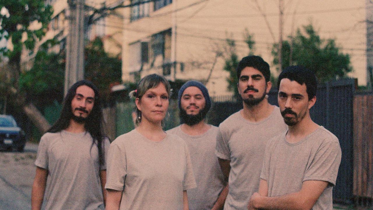«Sueño Abierto»: Quinteto nacional Aruma lanza nuevo single de música post revuelta