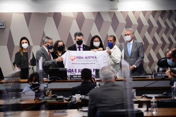 «¡Queremos justicia!»: víctimas declararon ante comisión que investiga gestión de Bolsonaro en pandemia