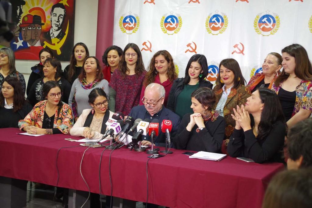 Alcaldesas y diputadas entregan respaldo a  candidatura de Guillermo Teillier al Senado