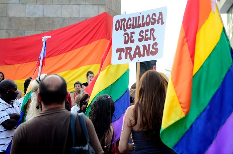Estudio U. de Chile revela discriminaciones y violencias que sufren migrantes refugiadas trans