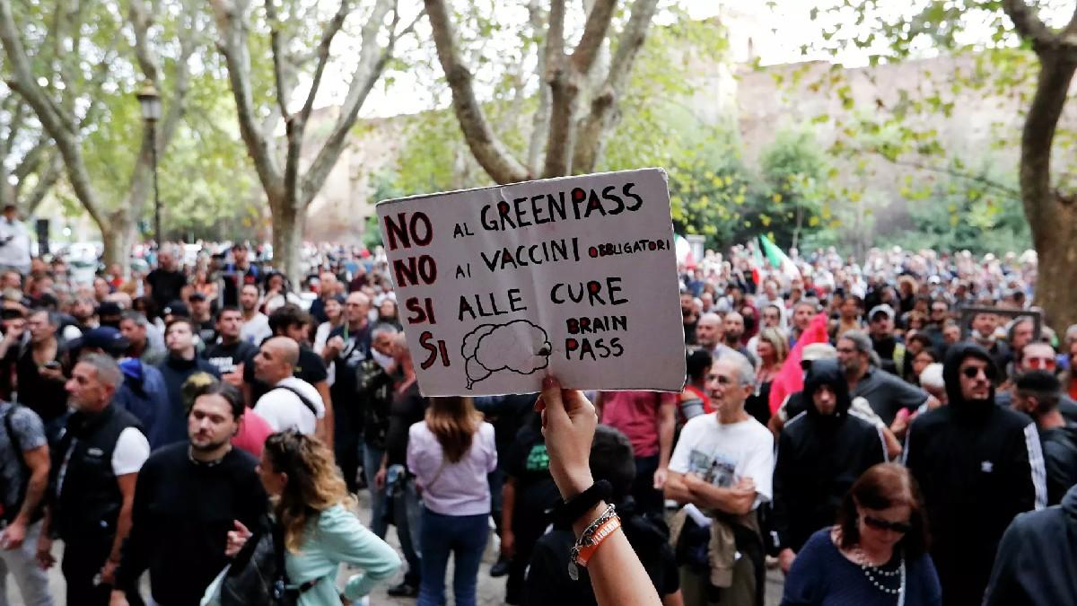 (Videos y fotos) Italia: Trabajadores manifestaron contra el pase sanitario obligatorio