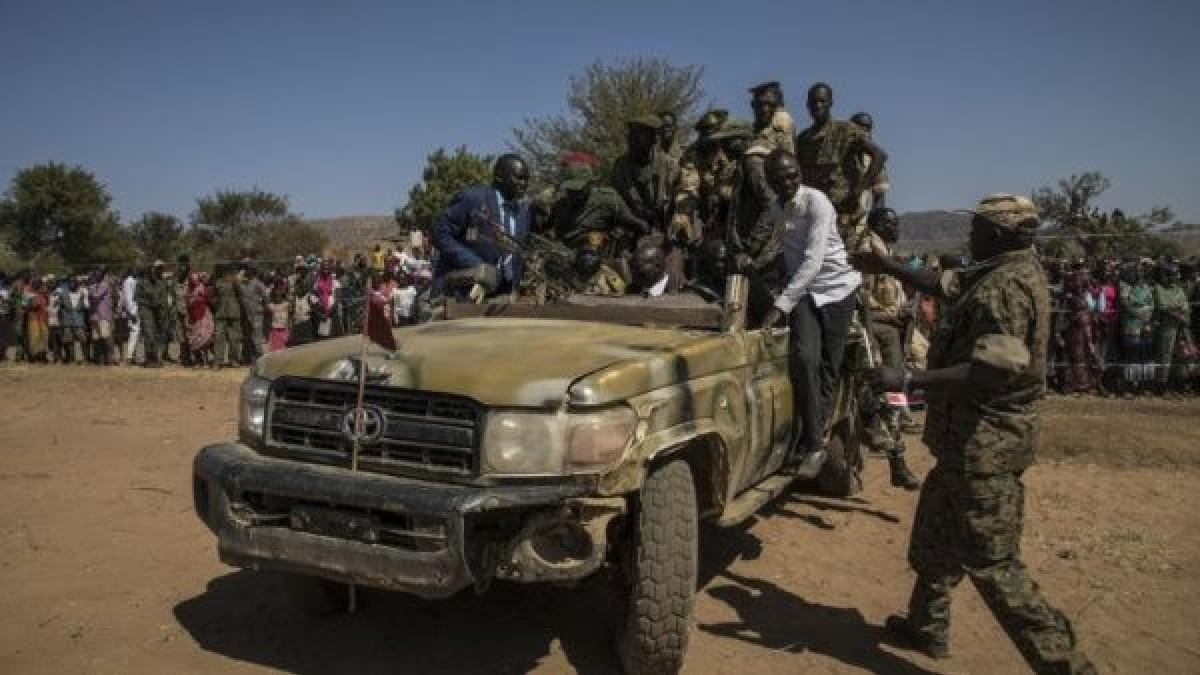 Militares dan golpe de Estado en Sudán y detienen a integrantes del Gobierno