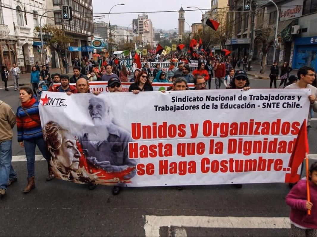 Veto de Piñera a ley de dignidad docente: Sindicato Nacional de Trabajadores de la Educación llama a «seguir movilizados»
