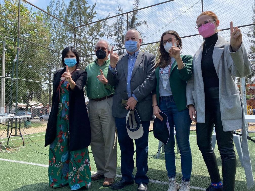 """""""Muevan las industrias contaminantes"""": Guillermo Teillier presentó proyecto de ley sobre justicia ambiental en los barrios"""