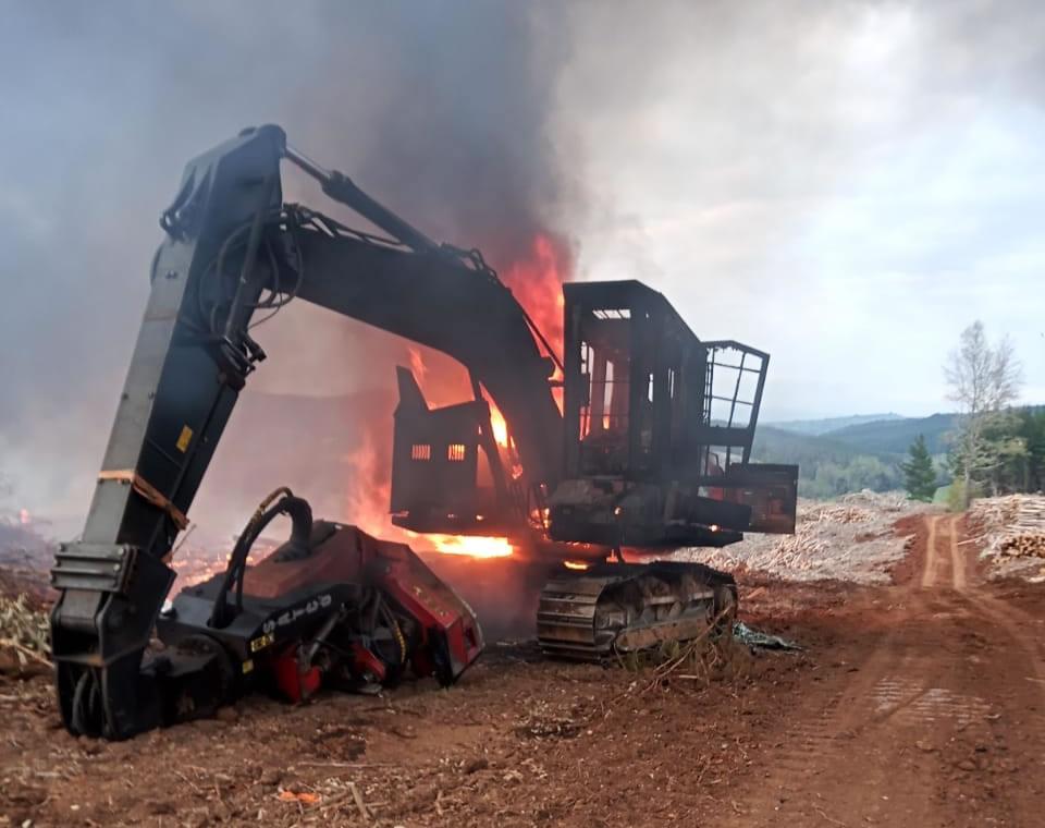 La CAM responde a militarización de Piñera atacando Forestal Nahuelbuta