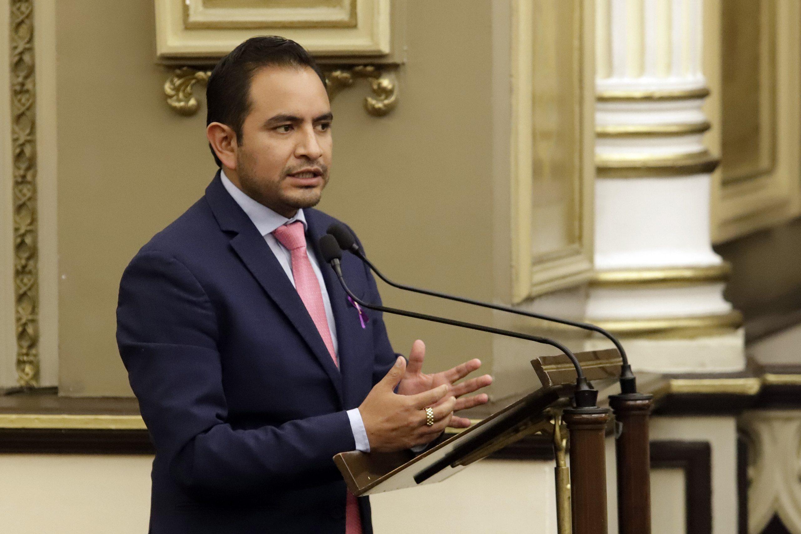 Uruviel González asume presidencia municipal de Chalchicomula