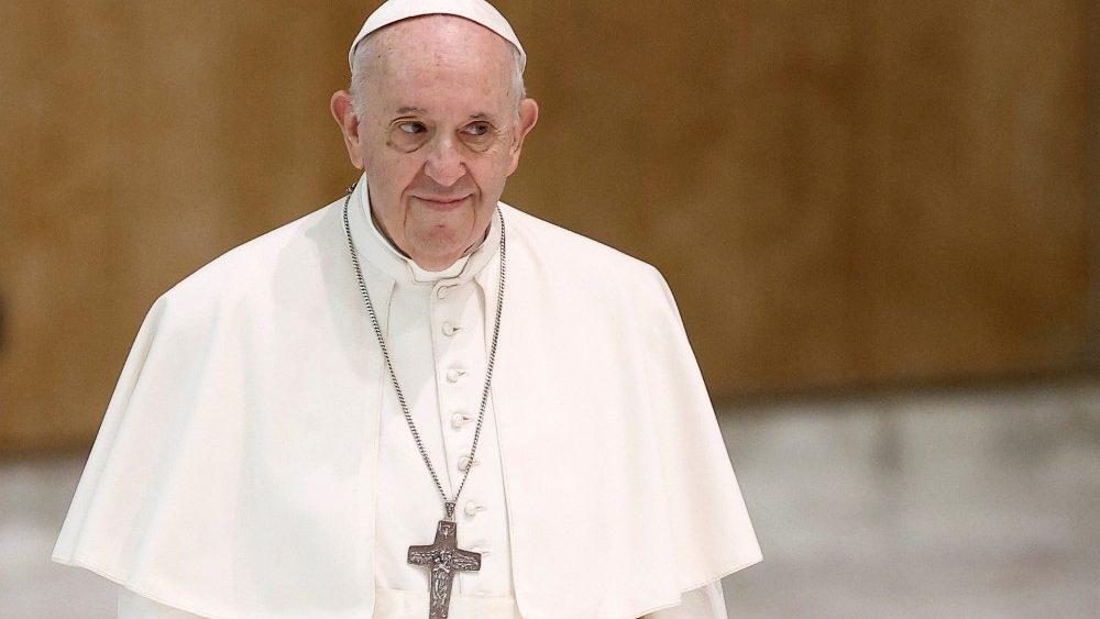 Papa Francisco aboga por un salario universal que permita acceder a bienes elementales