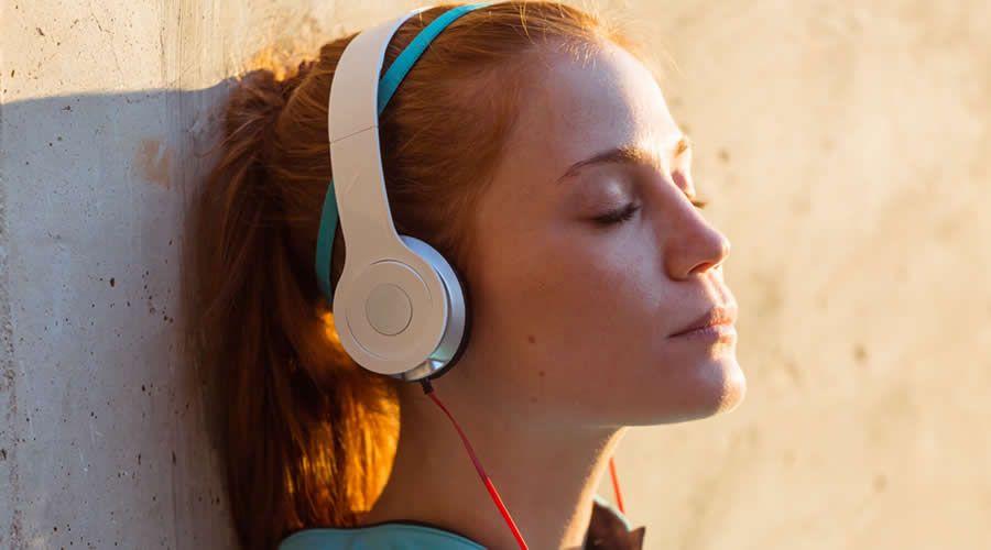 Hábito de escuchar música ha aumentado considerablemente durante la pandemia