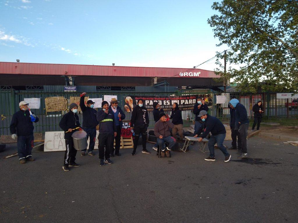 Trabajadores de RGM en huelga rechazan hostilidad del dueño de la empresa y acusan que cuenta con «escolta de carabineros»