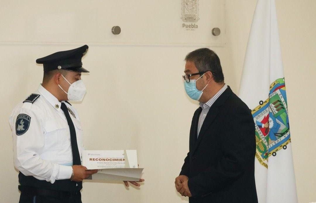 Daniel Castillo, el policía reconocido por acción humanitaria a un menor de edad
