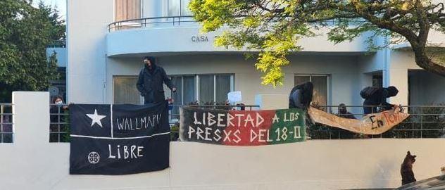 Estudiantes se toman rectoría de la U. de Concepción: Exigen retirar querella contra 12 jóvenes detenidos durante el estallido social