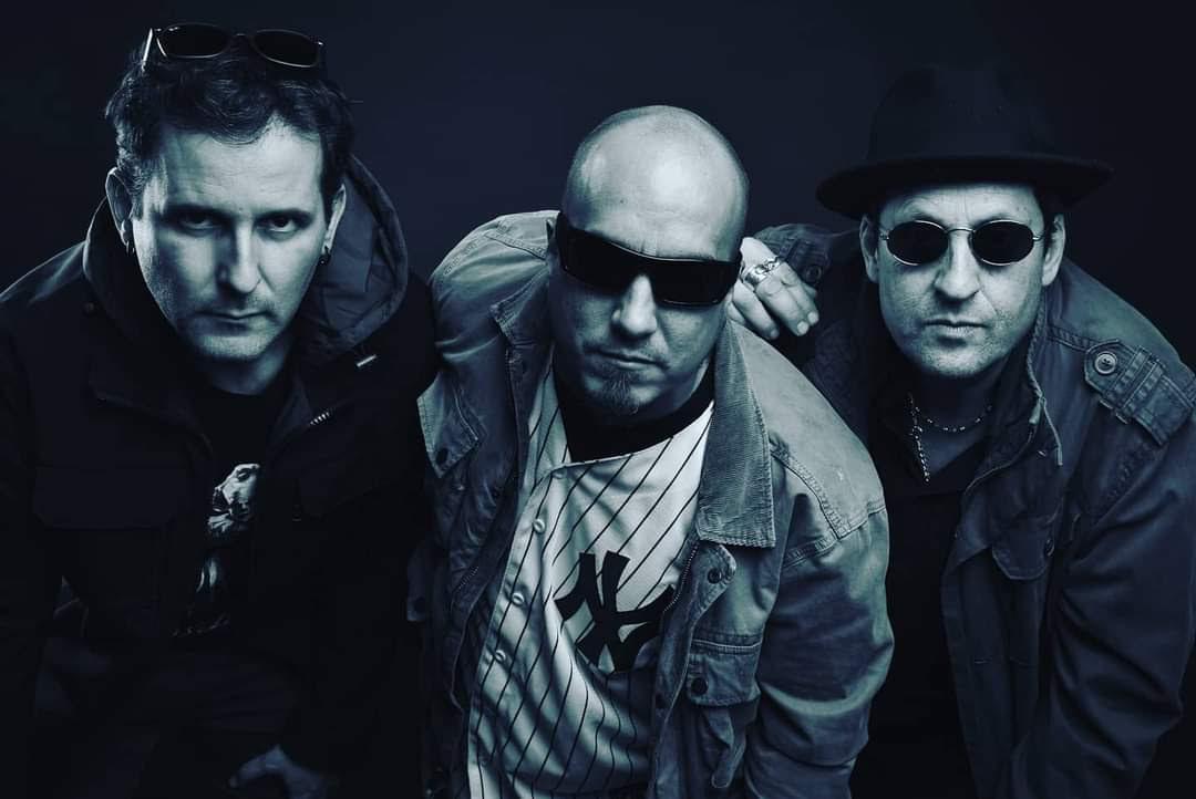 2 Man Army lanza segundo single junto a destacado bajista nacional e inicia gira por EE.UU.
