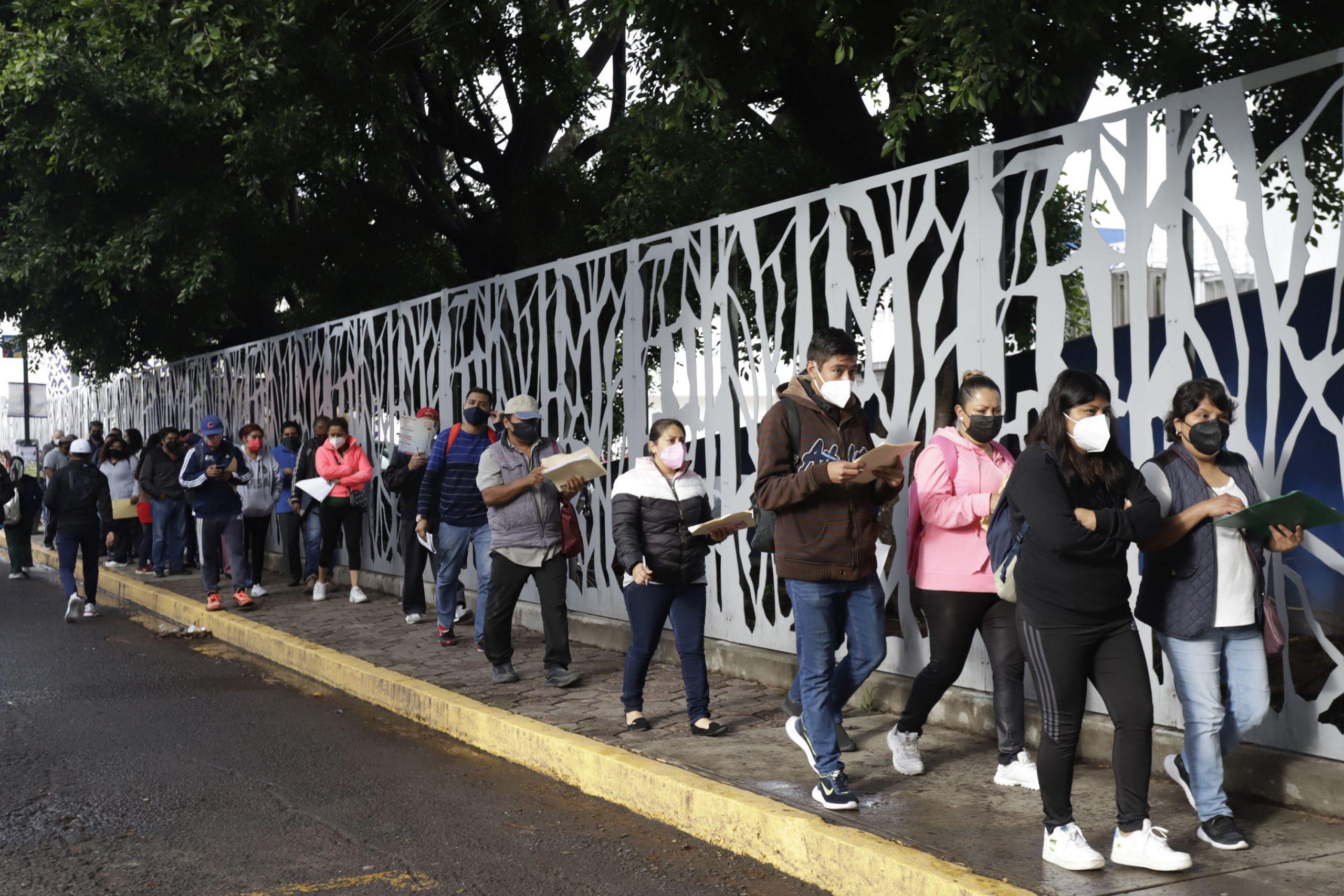 México alcanza una cobertura de vacunación anticovídica de 78%  de su población adulta