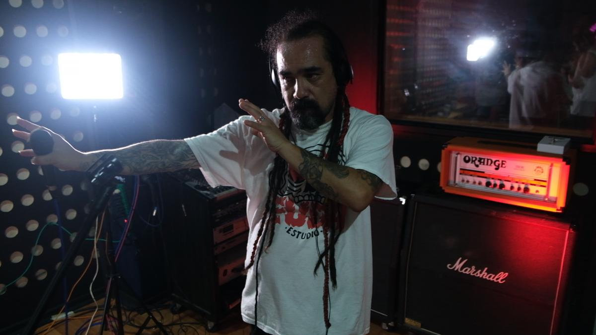 Feliciano Saldías lanza con show en vivo su nuevo disco 'Dos Partes'