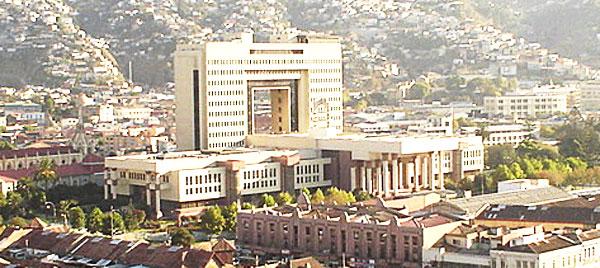 Senadores PS no votarán directores de TVN hasta que Piñera no resuelva venta de CHV