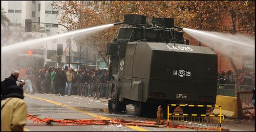 Gobierno dice que decisión de autorizar anterior marcha de estudiantes a las 20:00 hrs. fue idea de Carabineros